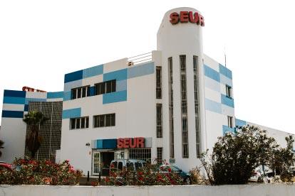fachada edificio SEUR Las Palmas